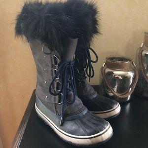 Sorel Joan of arc winter fashion boots size 8